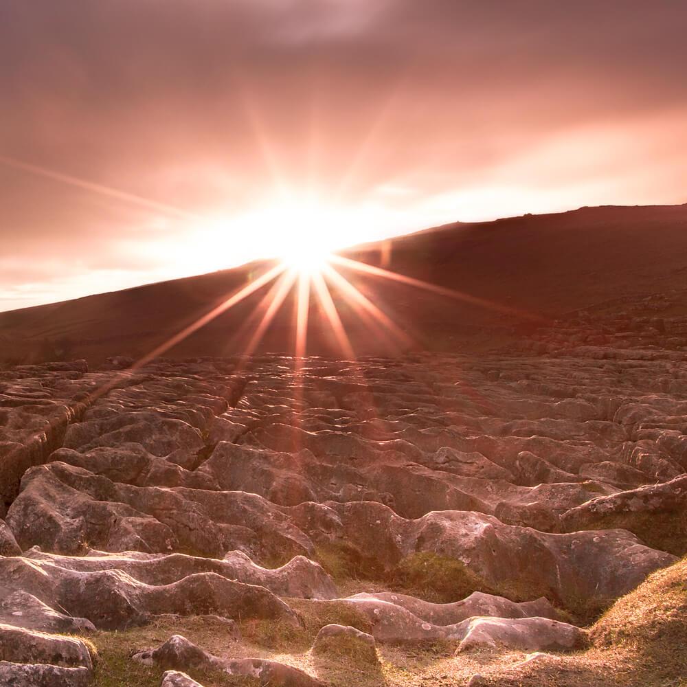 shimmering light zoomed enlarge