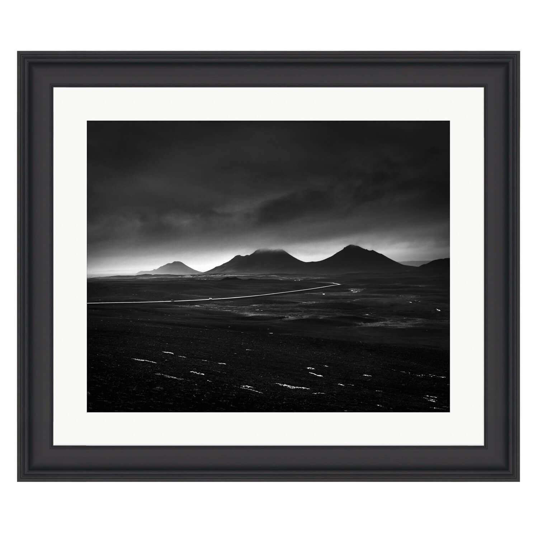 skyfall black frame mockup